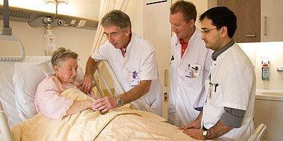 Foto interne geneeskunde, van de Osteopraktijk in Amsterdam, behandeling van bewegingsbeperkingen van botten, spieren, bloedvaten, ingewanden.